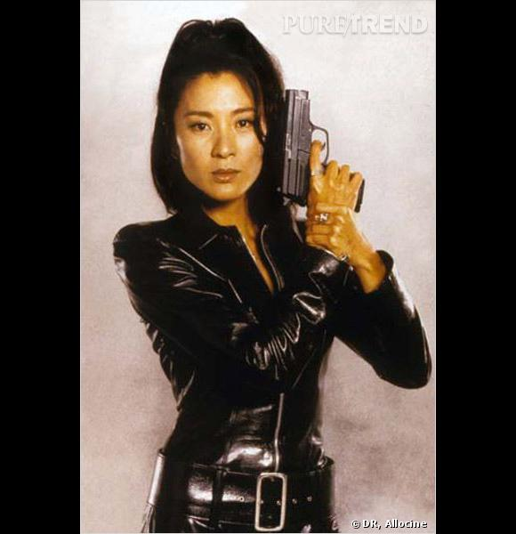 Film : Demain ne meurt jamais.   Qui ? Michelle Yeoh.   Année : 1997.