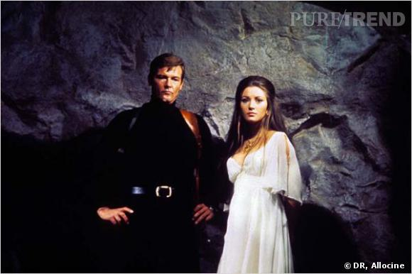 Film : Vivre et laisser mourir.   Qui ? Jane Seymour et Roger Moore.   Année : 1973.