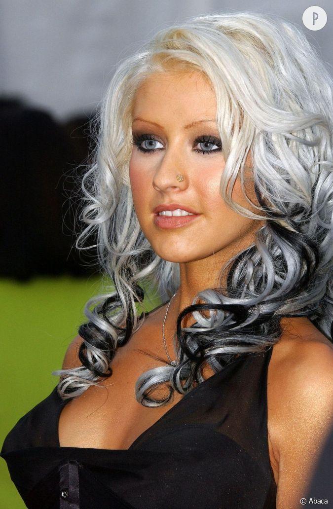 Plus soft la chanteuse se contente de m ches noires sur une chevelure plus pr s du blanc que du - Photos meches blondes et noires ...