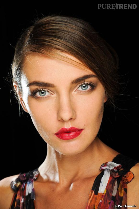 Le secret pour être irrésistible ? Un beau rouge à lèvres.