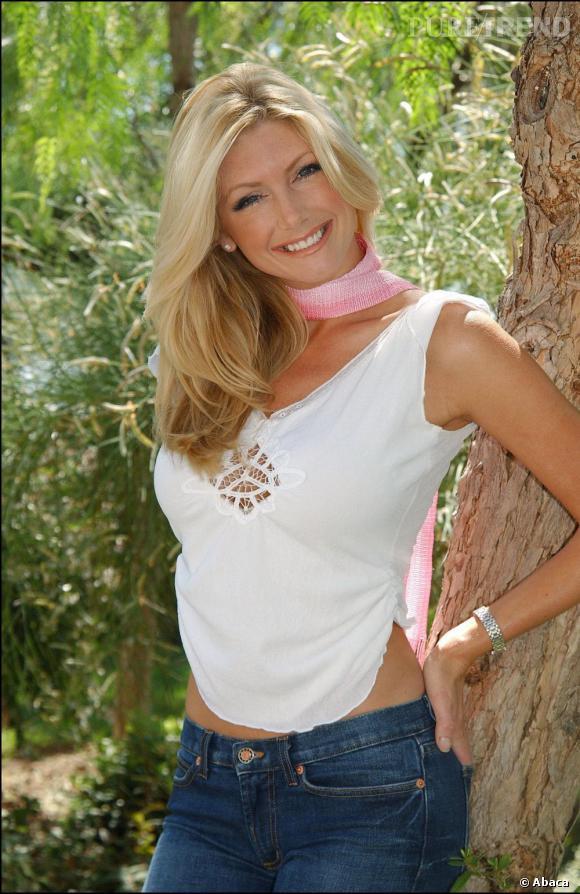 De 1999 à 2000, il craque pour la blonde Brande Roderick.