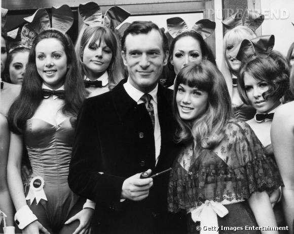 De 1971 à 1974, il s'affiche avec Barbi Benton, 19 ans, à sa gauche.
