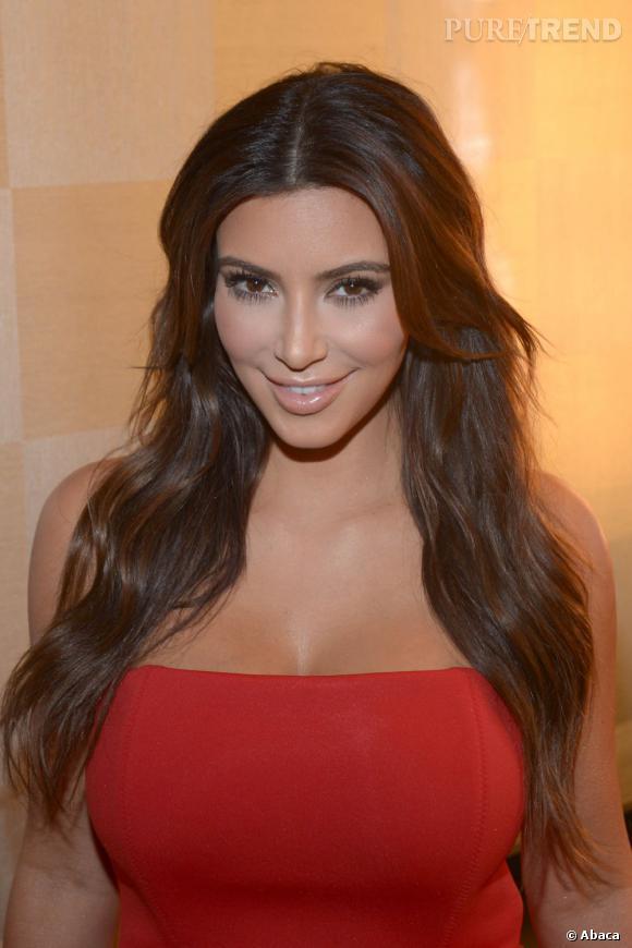 A 32 ans, Kim Kardashian craquera-t-elle pour le vampire-lift ?