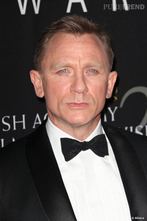 Favori Daniel Craig est bien James Bond : son noeud pap' se tient  CD12
