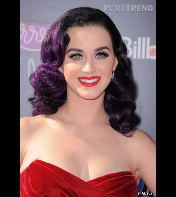 10 beauty looks pour le nouvel an cartoon coiffure comme katy perry on craque pour le brushing crant so rtro reste savoir si on ose la coloration - Coloration Violine