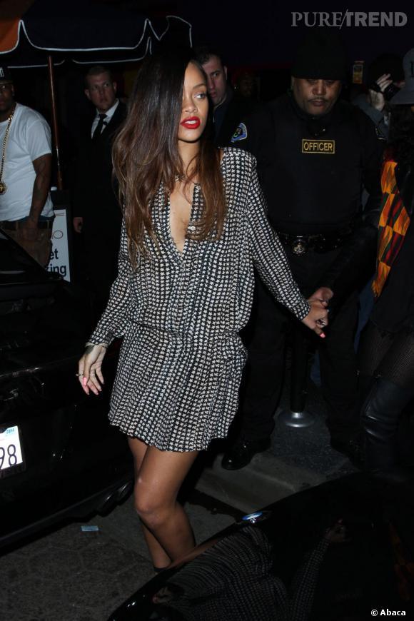 Rihanna, la moitié du crâne rasé dans un club de Los Angeles dimanche 6 janvier.