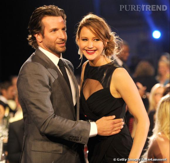 """Jennifer Lawrence, meilleure actrice dans une comédie et film d'action et Bradley Cooper meilleur acteur dans une comédie.. Tous deux pour """"Happiness Therapy"""" !"""