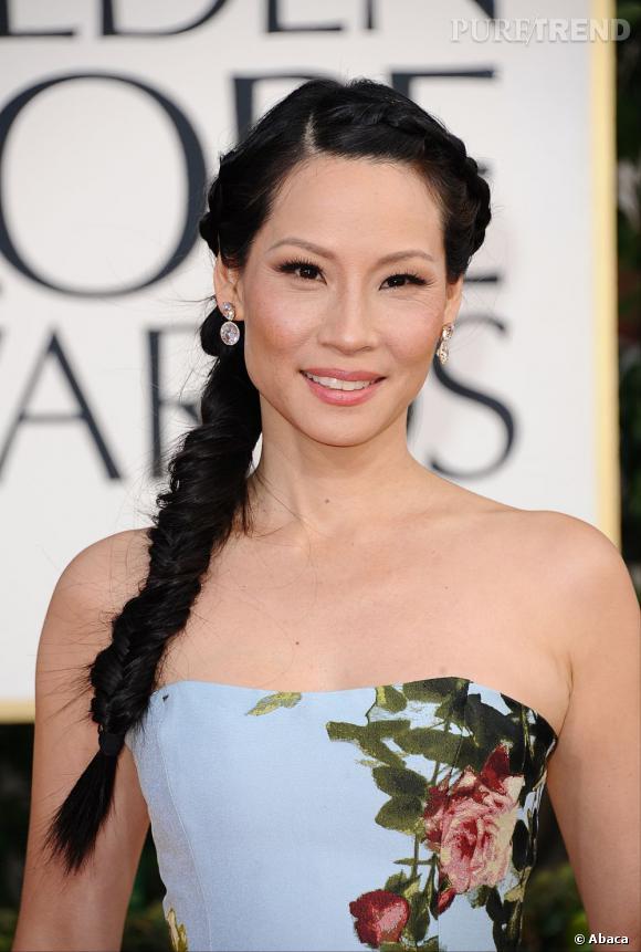 Les coiffures des Golden Globes 2013 : Lucy Liu ressort la tresse, grande tendance de 2012.