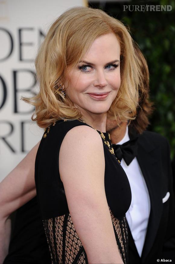 Nicole Kidman aux Golden Globes 2013 : Jolie surprise avec ce carré mi-long, moderne et ondulé sur les pointes.