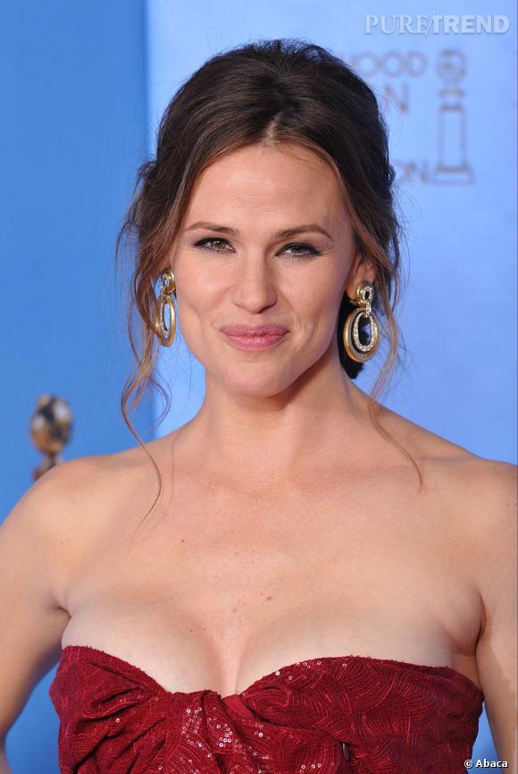 """Les coiffures des Golden Globes 2013 : Venue soutenir son mari, Ben Affleck (récompensé du prix du Meilleur réalisateur et du Meilleur film dramatique pour """"Argo""""), Jennifer Garner a affiché un joli chignon flou."""