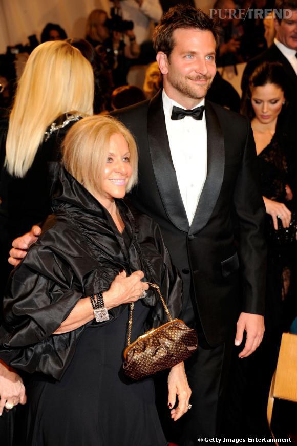 Bradley Cooper va venir aux bras de sa maman aux Oscars.