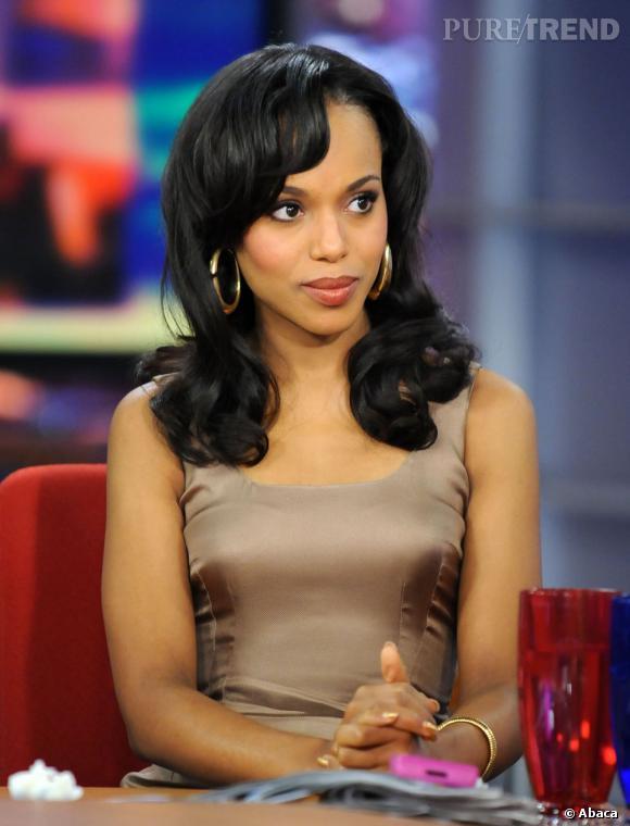"""Les plus belles coiffures de Kerry Washington : Pour son passage dans l'émission """"Good Day LA"""" en 2010, elle opte pour un chignon très telenovela."""