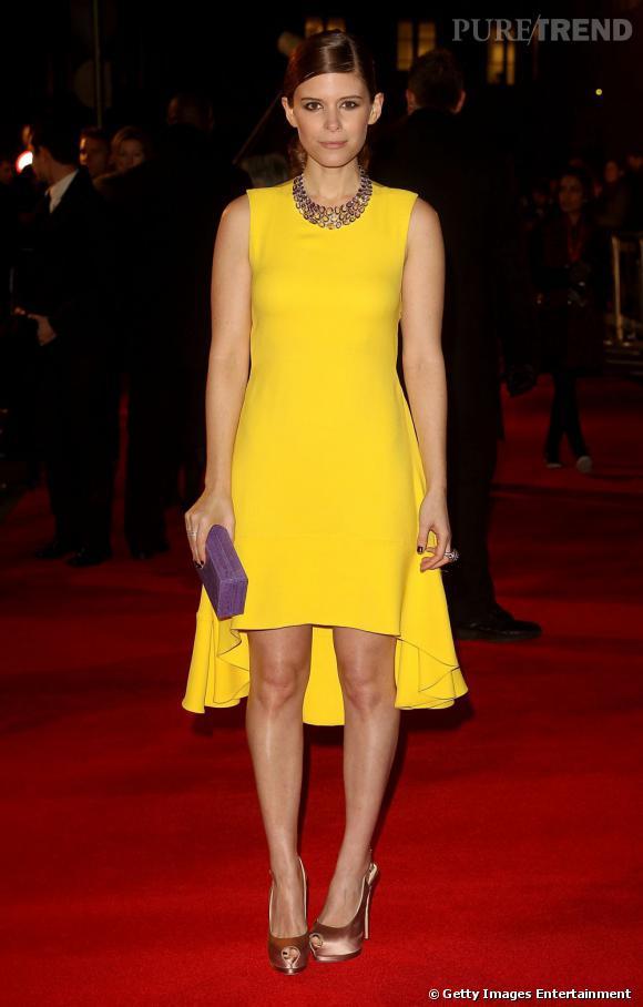 Kate Mara porte une création Christian Dior Printemps-Été 2013.
