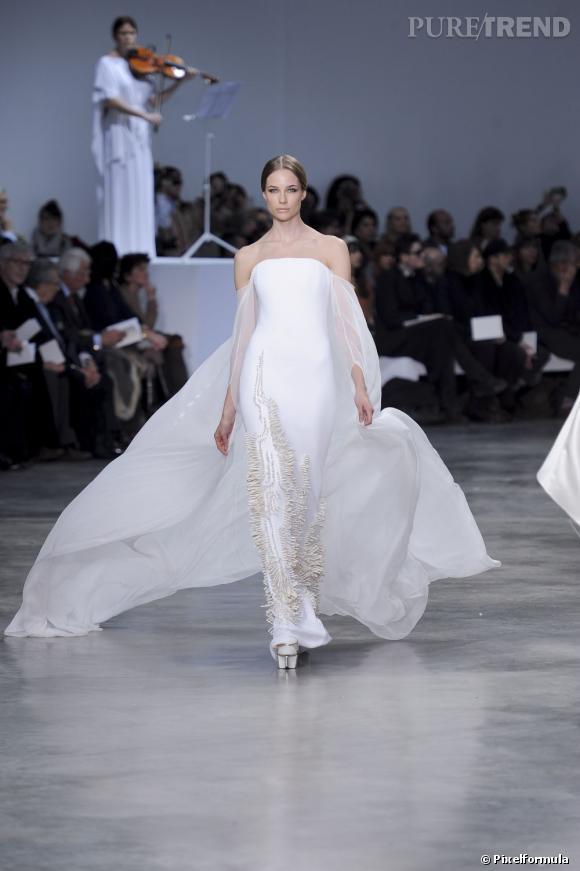 La robe de mariée Haute Couture Printemps-Eté 2013 !    Défilé Stéphane Rolland, Haute Couture