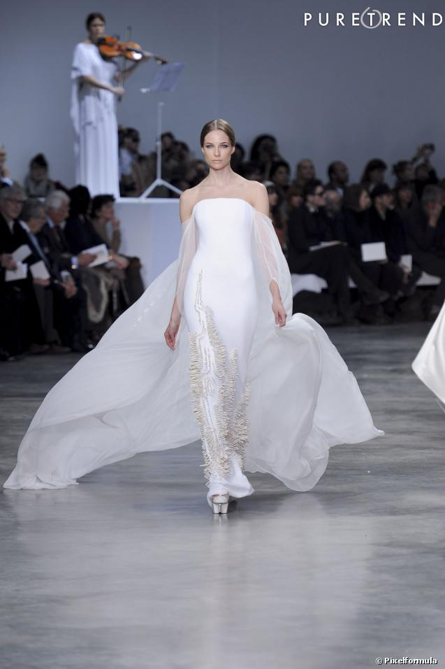 la robe de mari e haute couture printemps et 2013 d fil st phane rolland haute couture. Black Bedroom Furniture Sets. Home Design Ideas