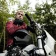 Ryan Gosling métamorphosé en biker blond.