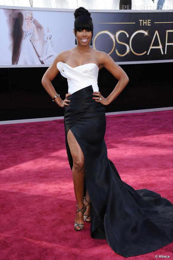 Kelly Rowland aux Oscars 2013 en Donna Karan Atelier.