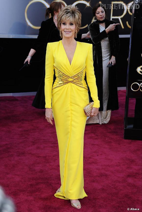 Jane Fonda aux Oscars 2013 en Atelier Versace.