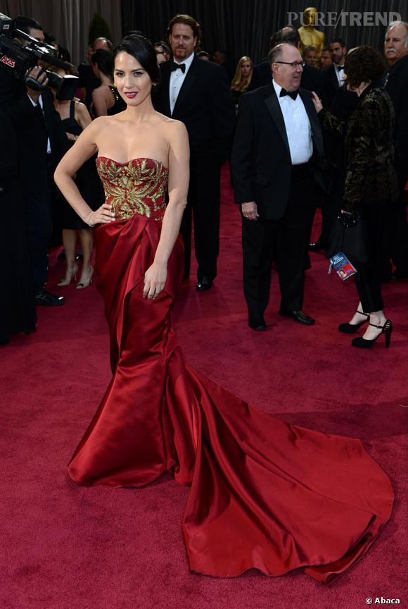 Olivia Munn aux Oscars 2013 en Marchesa.