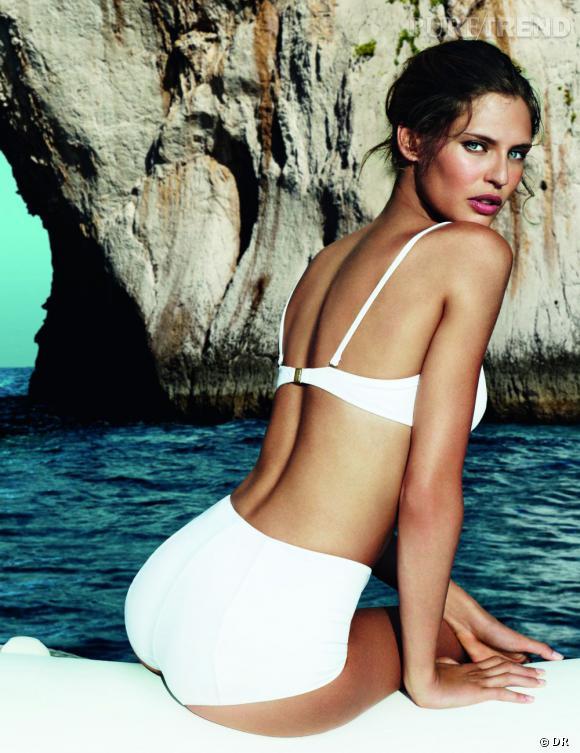 Bianca Balti, belle naïade pour Light Blue de Dolce & Gabbana.