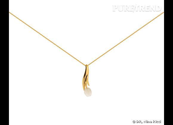 """Nina Ricci Printemps-Été 2013.     Collier collection """"Tulipe"""" en plaqué or et résine, 129€. Existe aussi en argent massif et résine beige ou corail, 149€."""