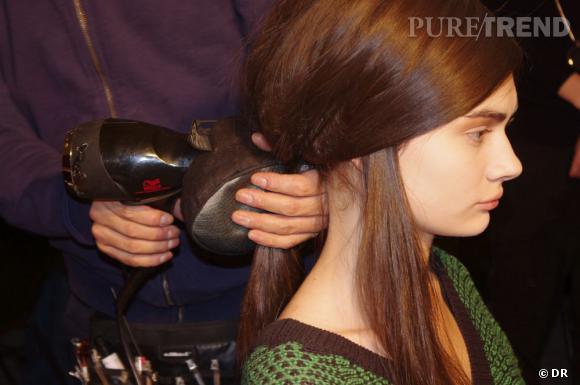 Les coiffeurs jouent des contrastes avec une queue de cheval impeccable.
