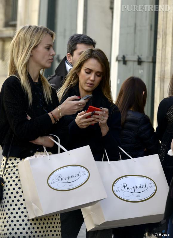 Quand Jessica Alba vient à Paris, elle a ses magasins chouchou. Parmi eux, Bonpoint, la boutique de vêtements pour enfants.