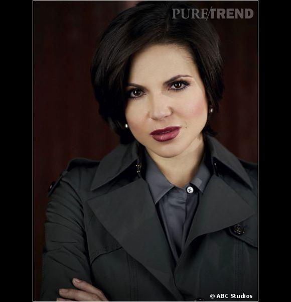 Lana Parrilla, alias la maire Regina Mills. Carré court et maquillage sophistiqué à la ville.