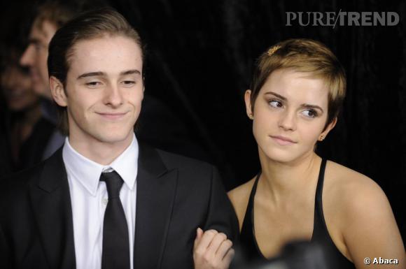 Alex et Emma Watson, deux égéries Burberry.