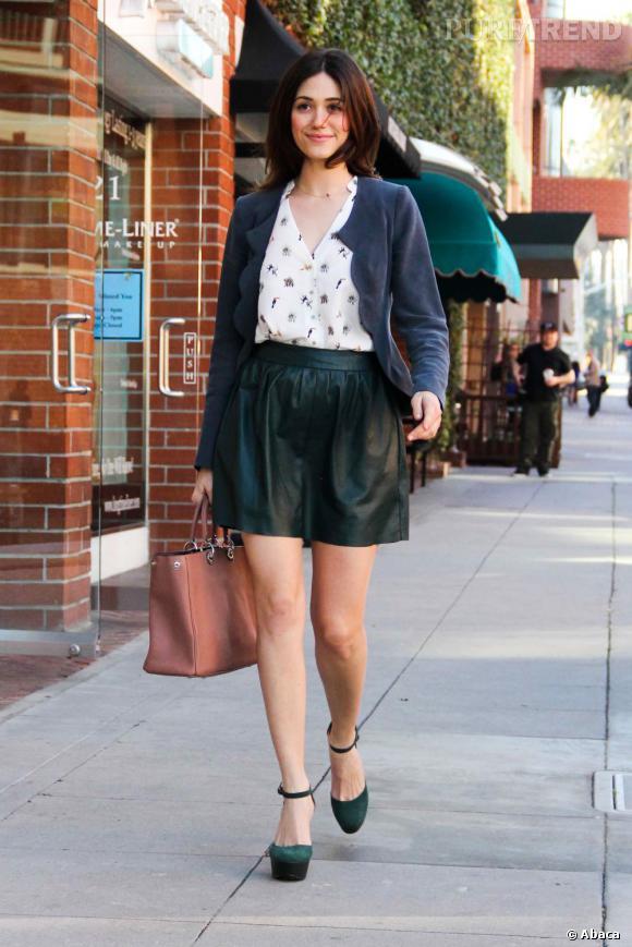 Emmy Rossum dans les rues de Beverly Hills.