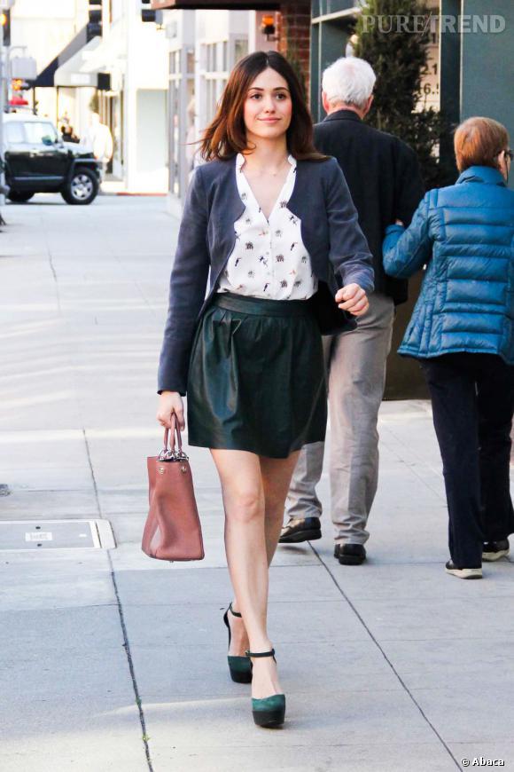 Emmy Rossum fait du shopping avec un passage obligé par les bijouteries.