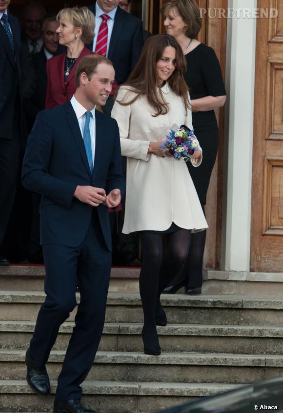 Kate Middleton rencontre les membres de l'association Child Bereavement en Angleterre.