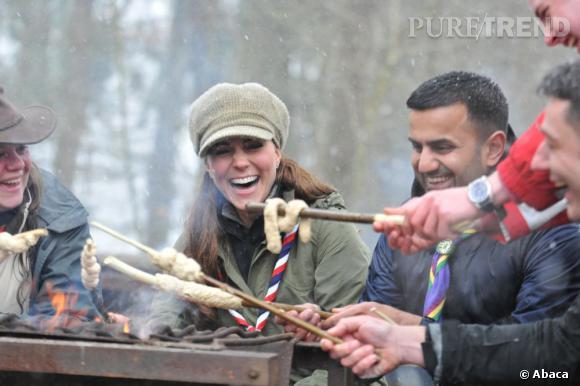 Kate Middleton accompagne des scouts lors d'une randonnée à Lake District en Angleterre.