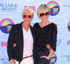 """Le couple Ellen DeGeneres et Portia De Rossi s'est lui aussi mis au végétalisme. """"Je dois dire qu'une des meilleures choses à ce sujet, c'est la perte de poids"""", avoue Portia De Rossi. """"Parce que c'est très dur de prendre des kilos en mangeant comme ça, et vous n'avez plus à compter les calories"""". Pour Ellen DeGeneres, c'est sa peau qui témoigne du changement : """"J'avais de la couperose, et au bout de 2 semaines, elle est partie""""."""