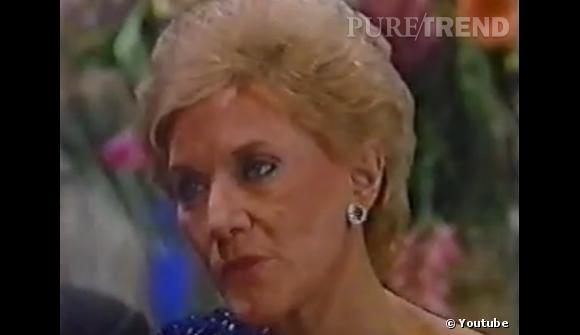 Rétro beauté Les Feux de l'Amour :  Jeanne Cooper n'a pas quitté le rôle de Katherine Chancellor (ni sa permanente) depuis 1973. Un exploit, quand on sait les dégâts qu'un pareil traitement peut causer aux cheveux (et en plus, dans la série, elle est alcoolique).
