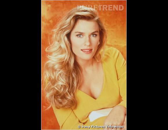 Rétro beauté Les Feux de l'Amour :  Brenda Epperson a un temps incarné le personnage d'Ashley Abbott, chimiste chez Jabot Cosmetics et éternel numéro 2 dans le coeur de Victor Newman. Et qu'on se le dise, le side-hair était déjà à la mode.