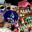 Nina Dobrev, très créative pour peindre les oeufs de Pâques.