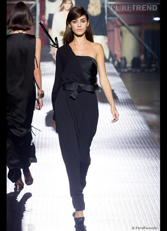 Comment porter la combi ce printemps et 2013 comme chez - Quelles chaussures avec une combinaison noire ...