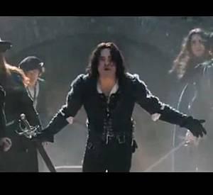 Ed Westwick incarne le rôle de Tybalt, cousin de Juliette.