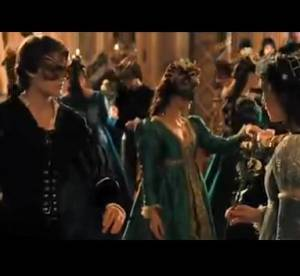 Ed Westwick, Douglas Booth, Hailee Steinfled : l'etonnant trio de Romeo et Juliette (trailer)