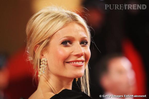 Le top boucles d'oreilles  : architecturales, ces boucles d'oreilles bohèmes très chic encadrent en douceur son visage. Avec une coiffure romantique, Gwyneth Paltrow est divine.