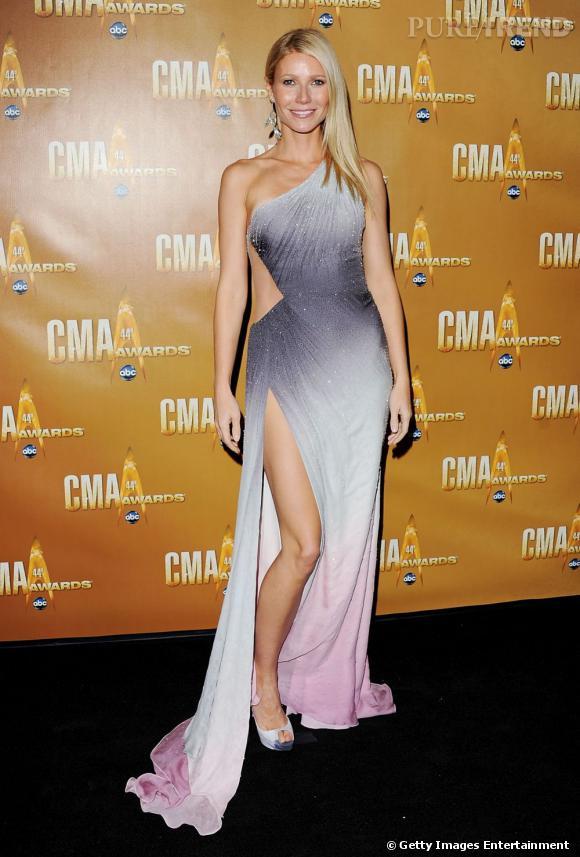Le top look sexy  : jeu de jambes, couleurs flatteuses et mise en beauté glamour, Gwyneth Paltrow enflamme le red carpet.