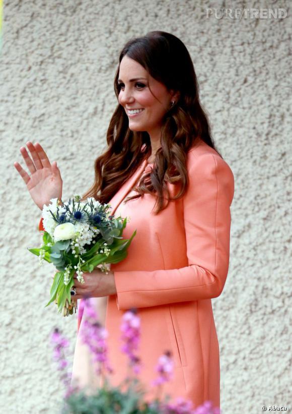 La prétendue gaffe de Kate Middleton, manquant de dire qu'elle attend une fille en pleine visite officielle, serait donc fausse ?