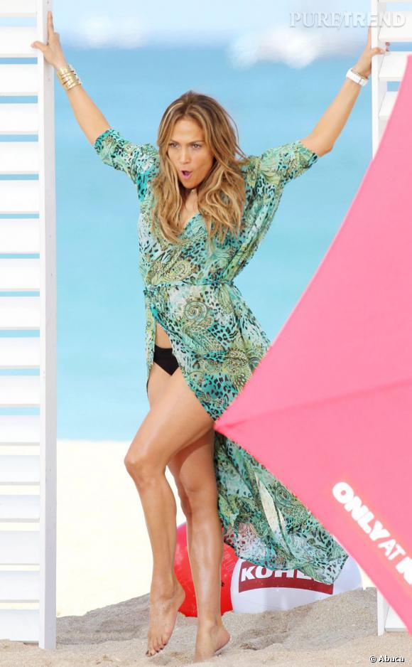 """Jennifer Lopez a été évacuée du tournage de son clip """"Live It Up"""" après des coups de feu tirés à proximité du lieu, le 5 mai 2013 sur une plage de Floride."""