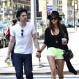 Nina Dobrev et Ian Somerhalder se promènent à New York, le 13 mai 2012.