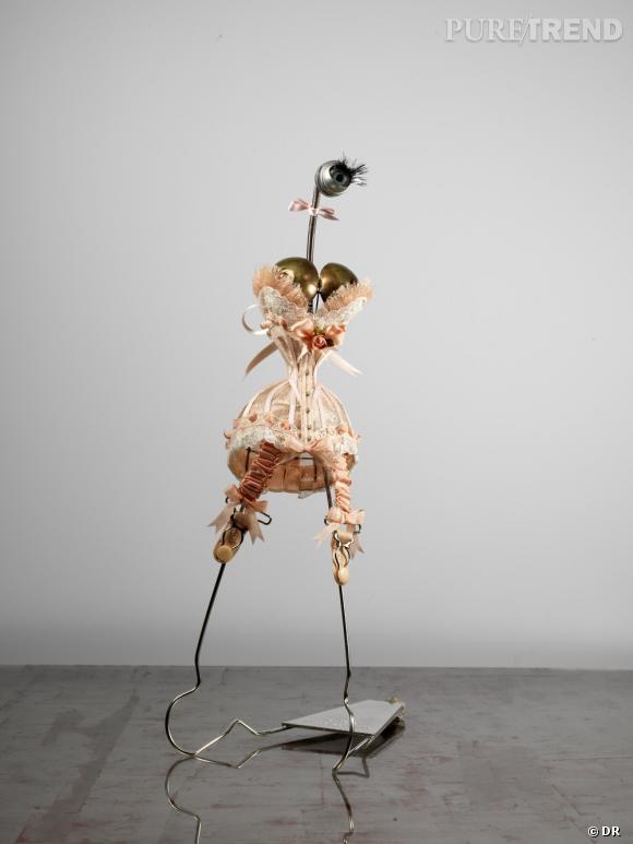 """Exposition """"  LE GANG DES JARRETELLES """" de Marie Beltramidu 15 mai au 15 juin 2013Boutique de lingerie de Chantal Thomas.211 rue Saint-Honoré Paris 1er"""