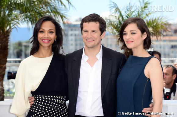 """Zoe Saldana, Guillaume Canet et Marion Cotillard au photocall de """"Blood Ties"""" à Cannes le 20 mai 2013."""