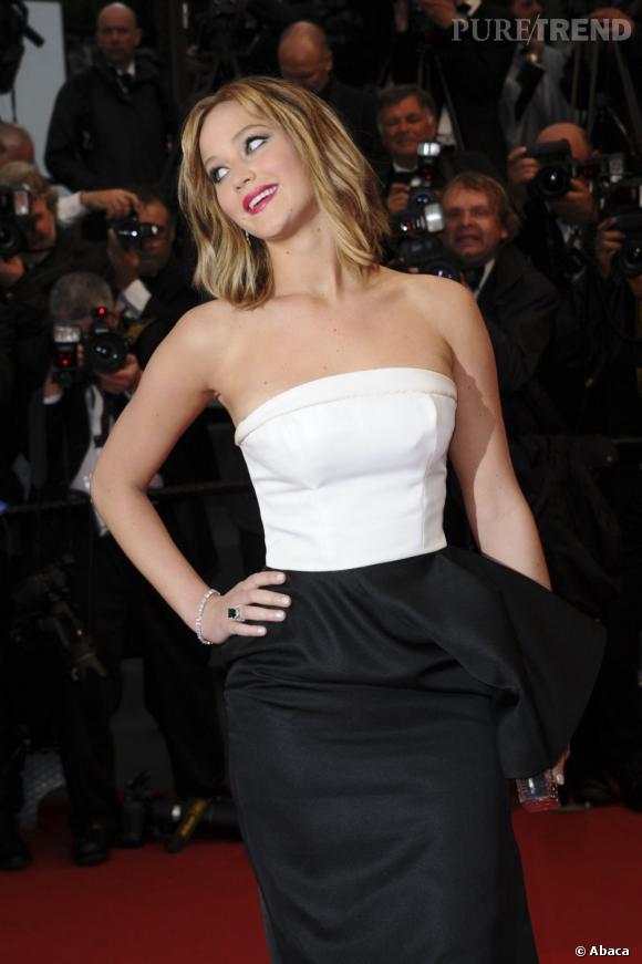 Jennifer Lawrence sort le grand jeu pour son premier Festival de Cannes avec quatre looks en une journée.