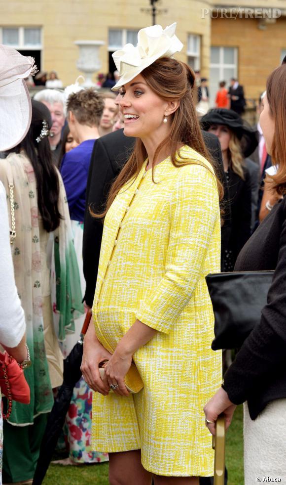 Kate Middleton en jaune citron pour la fête du printemps organisée à Buckhingham Palace, à Londres, le 22 mai 2013.