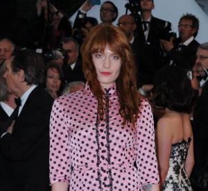 Le flop robe rose : Florence Welch semble être sortie en pyjama.